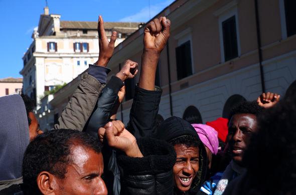 migrant-protests
