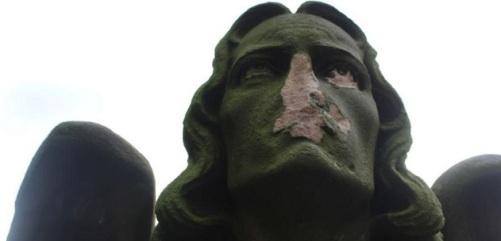 vandalisme-chistelijke-standbeelden-2