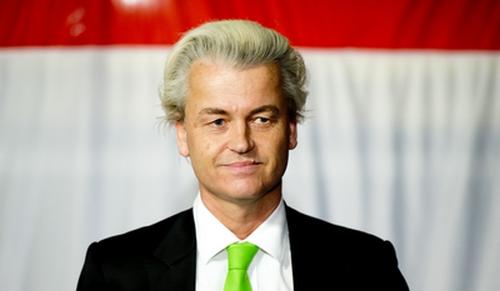 2014-03-19 22:25:09 DEN HAAG - PVV-partijleider Geert Wilders op het podium tijdens de verkiezingsavond van zijn partij na de gemeenteraadsverkiezingen. ANP ROBIN UTRECHT